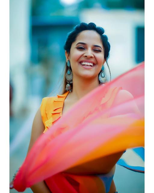 Anasuya Bharadwaj New Hot Saree Photoshoot