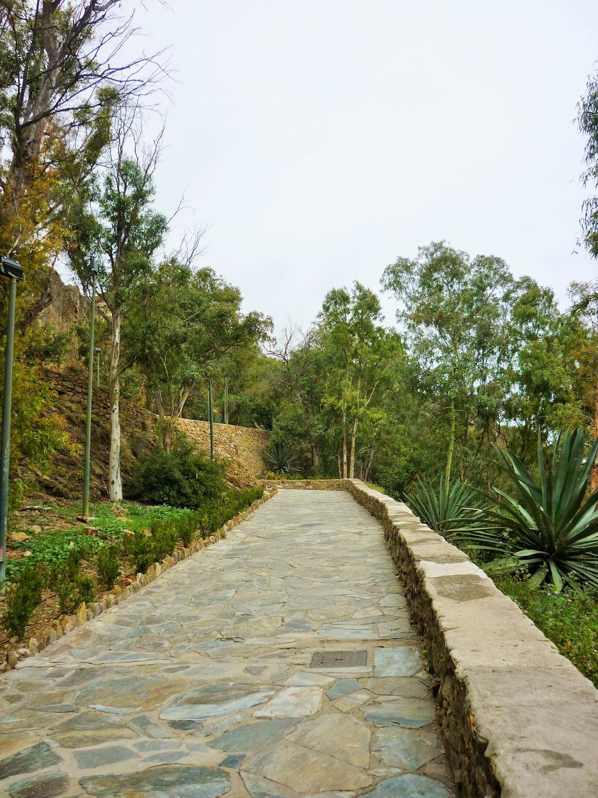 Malaga - Espagne - chemin piéton Castillo de Gibralfaro