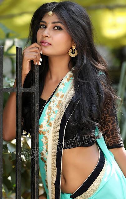 Sanjana Choudhary fans fap in nude navel hot deep navel public show pic