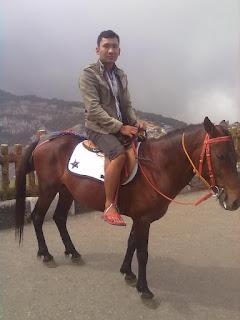 naik kuda di tangkuban parahu