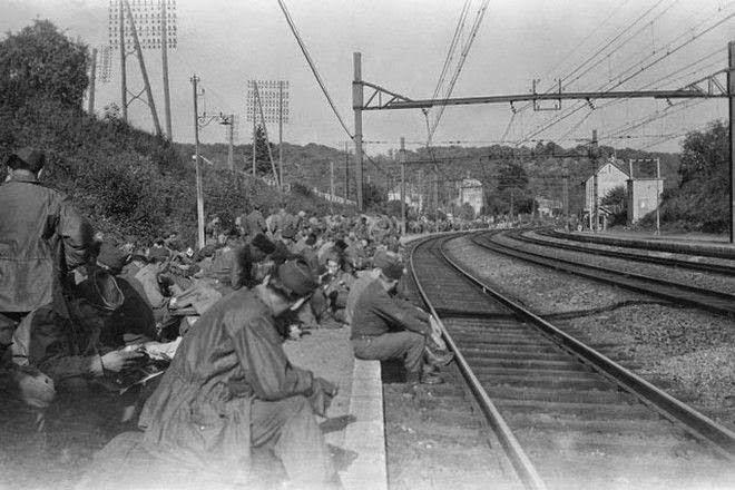 Στο φως άγνωστες φωτογραφίες από τον Β΄ Παγκόσμιο πόλεμο... [photos]