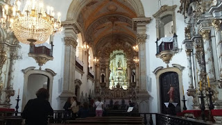 Interior de igreja de Ouro Preto
