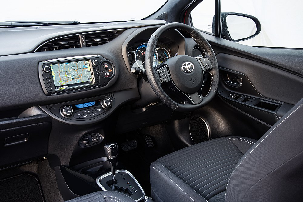 All-new 2017 Toyota Yaris Hybrid dashboard UK pictures and images ...