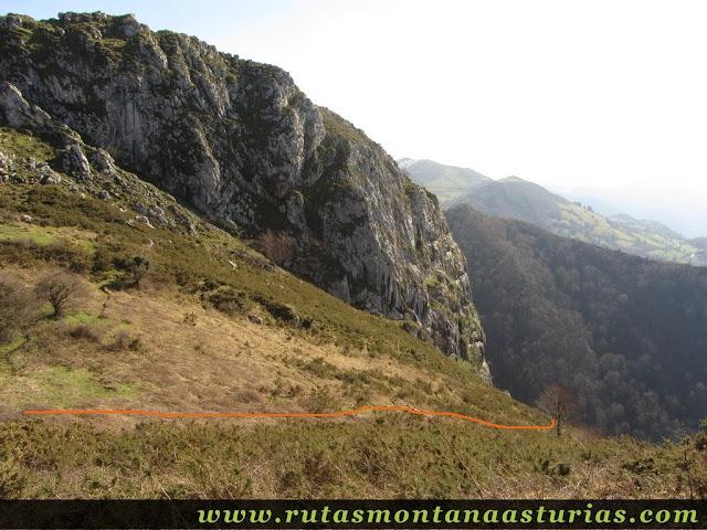 Descendiendo a Belmonte desde Peña Cervera
