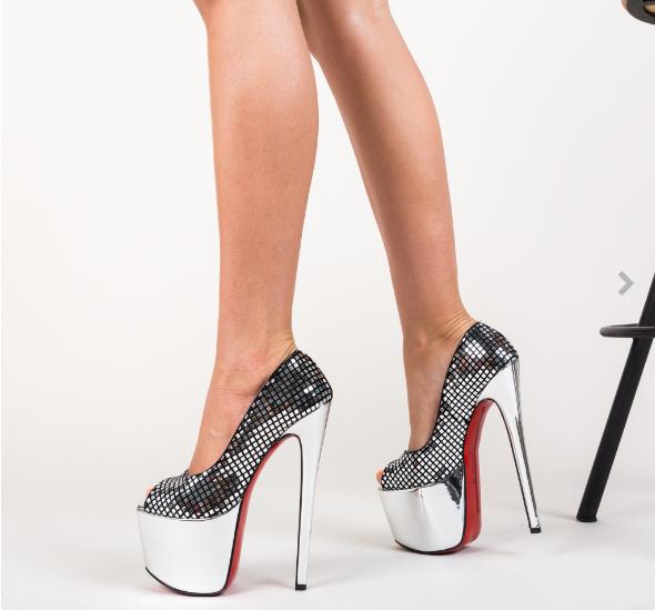 Pantofi de club argintii cu toc ianlt si platforma inalta lacuiti