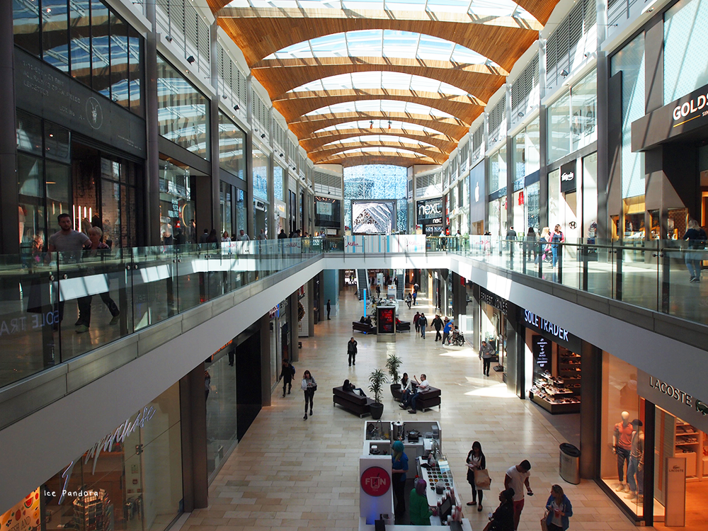 Situated in the heart of Leicester, Haymarket Shopping Centre has over 60 stores and food outlets to suit everyone's tastes.