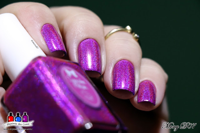 Different Dimension, Cat's Eye Nebula, Cupcake Polish, Berry Good Looking, Flakes, Flocado, Holográfico, Multichrome, dose dupla, Pink, Vinho, roxo, Magenta, Jelly, Mony D07, lindos, Alquimia das Cores, Esmalte Indie,