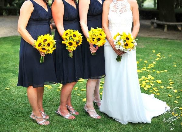 Sunflowers summer wedding in Tuscany - Varese