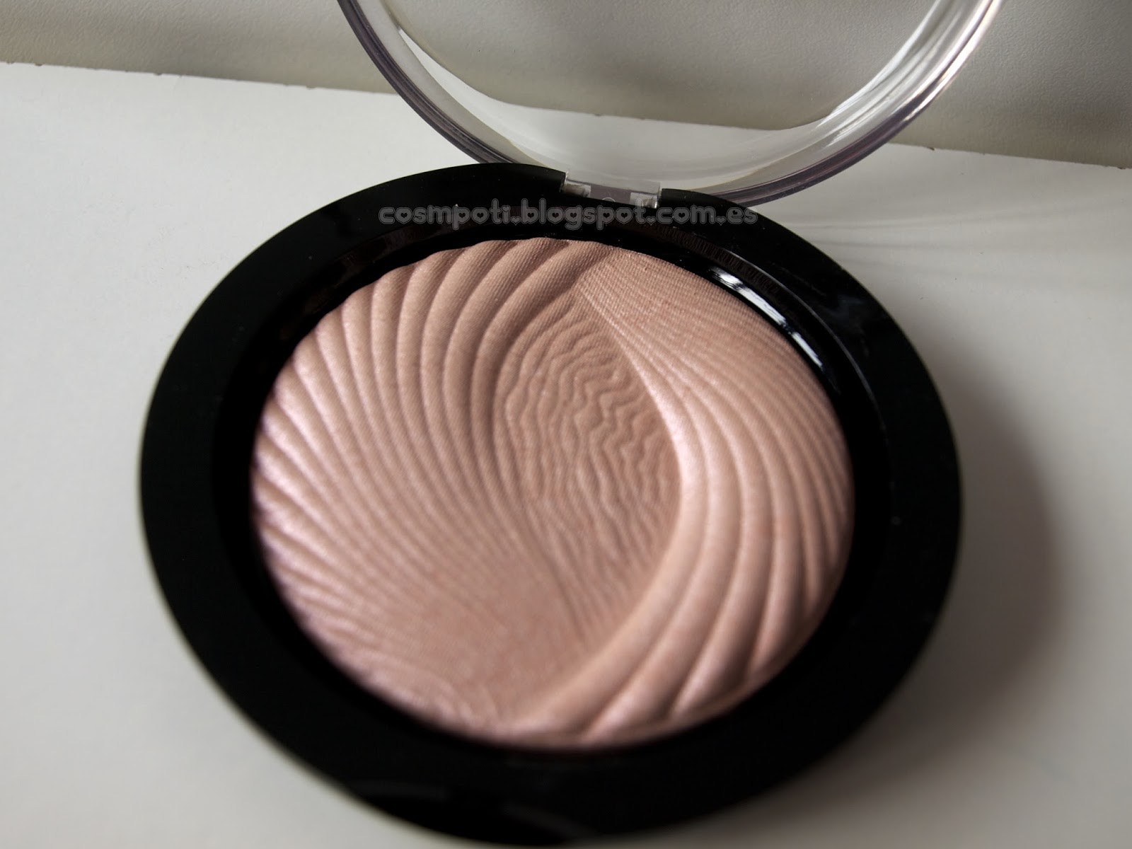 Iluminador En Polvo Iluminadores Makeup Revolution London