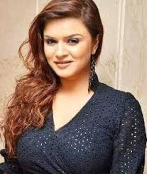 Aashka Goradia Biography Age Height, Profile, Family, Husband, Son, Daughter, Father, Mother, Children, Biodata, Marriage Photos.