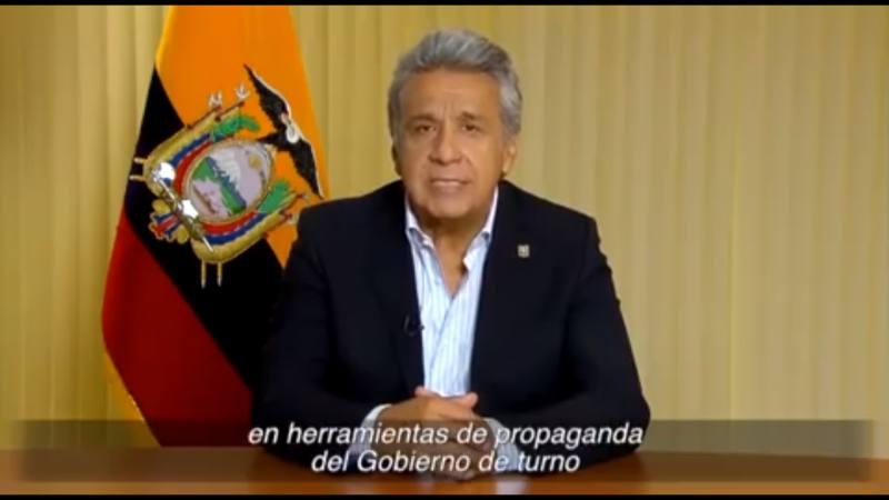 Presidente de Ecuador cada vez más alejado de las mañas políticas de su antecesor socialista