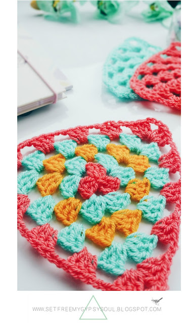 how to make crochet granny square triangle step by step tutorial