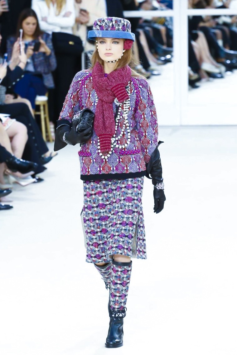 chanel-fall-winter-2016-2017-collection-paris-fashion-week, chanel-fall-winter-2016-2017, chanel-fall-winter-2016, chanel-fall-winter-2017, chanel-fall-winter, chanel-fall, chanel-fall-2016-2017, chanel-fall-2016, chanel-fall-2017, kendall-jenner-chanel, paris-fashion-week-2016, du-dessin-aux-podiums, dudessinauxpodiums