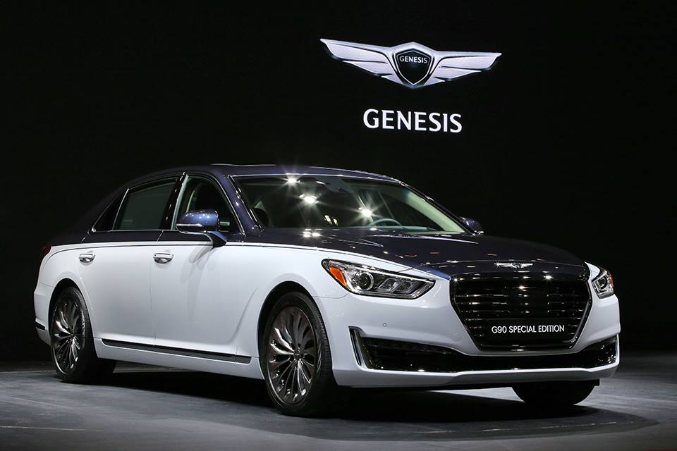 genesis g90 special edition looking more like a bentley carscoops. Black Bedroom Furniture Sets. Home Design Ideas