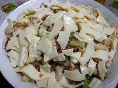 Resepi Pasta dengan Sos Putih Bersama Keju Yang Mudah Dilakukan, resepi simple, mudah, senang, keju leleh, macarooni cheese