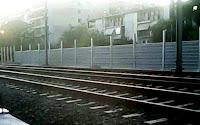 Αποτέλεσμα εικόνας για «ΟΧΙ» Του Δήμου Μοσχάτου-Ταύρου στα μεταλλικά ηχοπετάσματα στον Προαστιακό Σιδηρόδρομο στον Ταύρο
