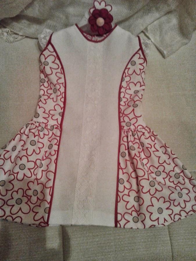http://patronycostura.blogspot.com.es/2014/03/tema-38-vestido-nina-corte-princesa.html?spref=fb