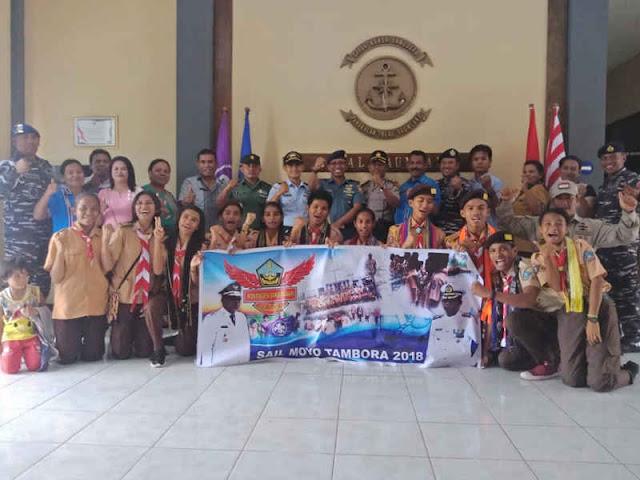 Hartanto Lepas Kontingen Pramuka Saka Bahari Saumlaki ke Sail Moyo Tambora 2018