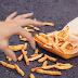 Kalau Belum 5 Menit, Makanan Yang Terjatuh Masih Bisa Dimakan. Benarkah?
