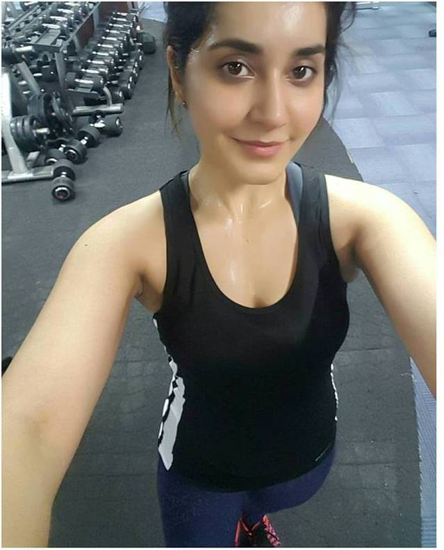 Hot Model Rashi Khanna Fitness Workout In Gym