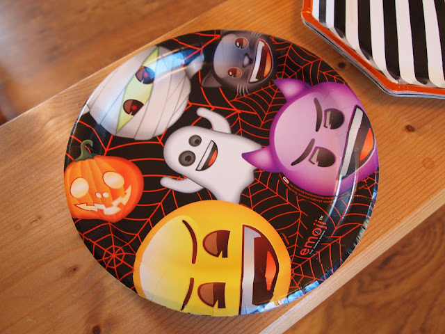 Halloween Emoji plates from Party Pieces