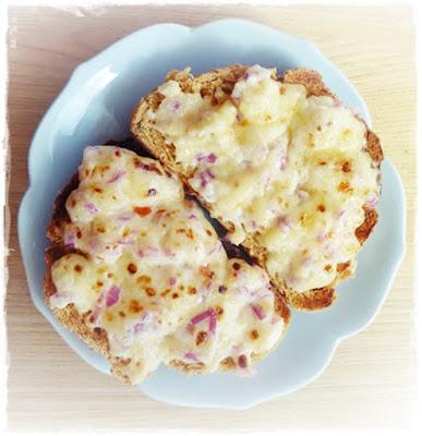 mayonnaise-cheese-on-toast