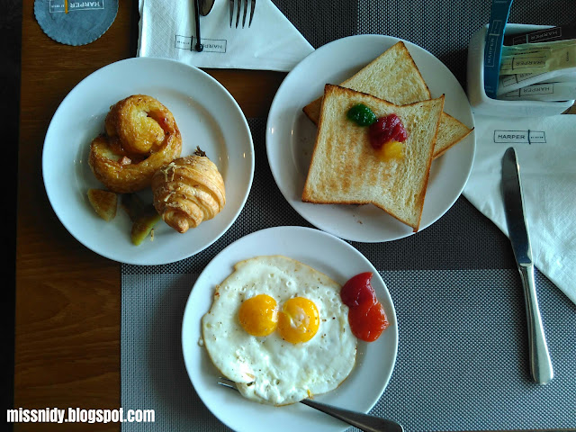 breakfast di harper mangkubumi hotel