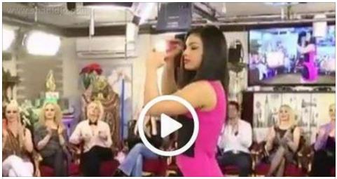 فيديو فتاة تموت وهي ترقص في حفل زفاف .. شاهد ما حدث بعد موتهاالمفاجئ وصعقت والدتها