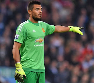 Sergio Romero Signs New Deal at Manchester United Until 2021