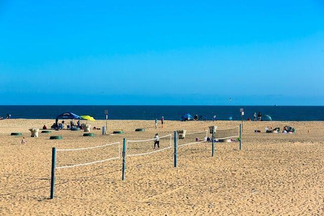 Curtição na praia em Huntington Beach