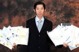 Pria asal Makasar ini, meraih 19 gelar sarjana hanya dalam 13 Tahun