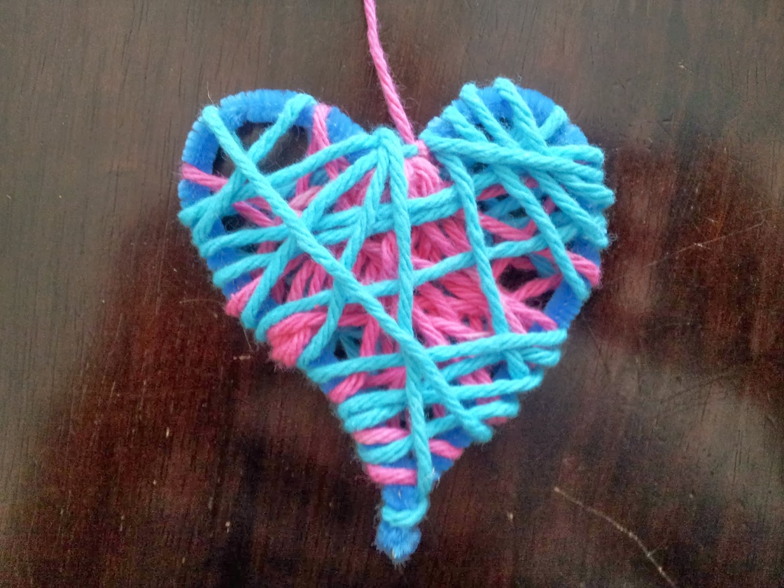 Dream Catcher Pipe Cleaner Hearts, Valentine's Day, Valentine's decor, Valentine's crafts, crafts, kids crafts