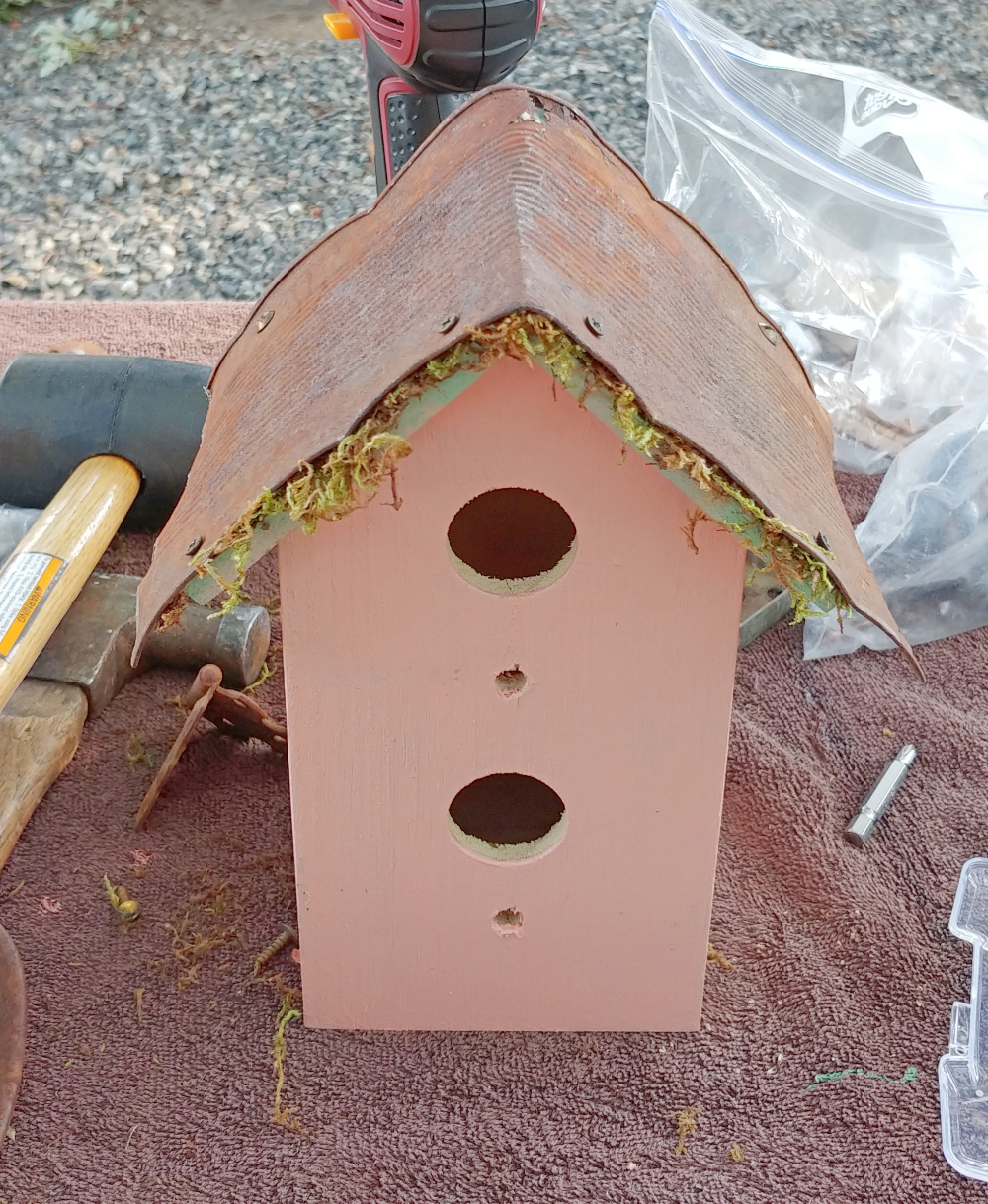 tin can birdhouse roof