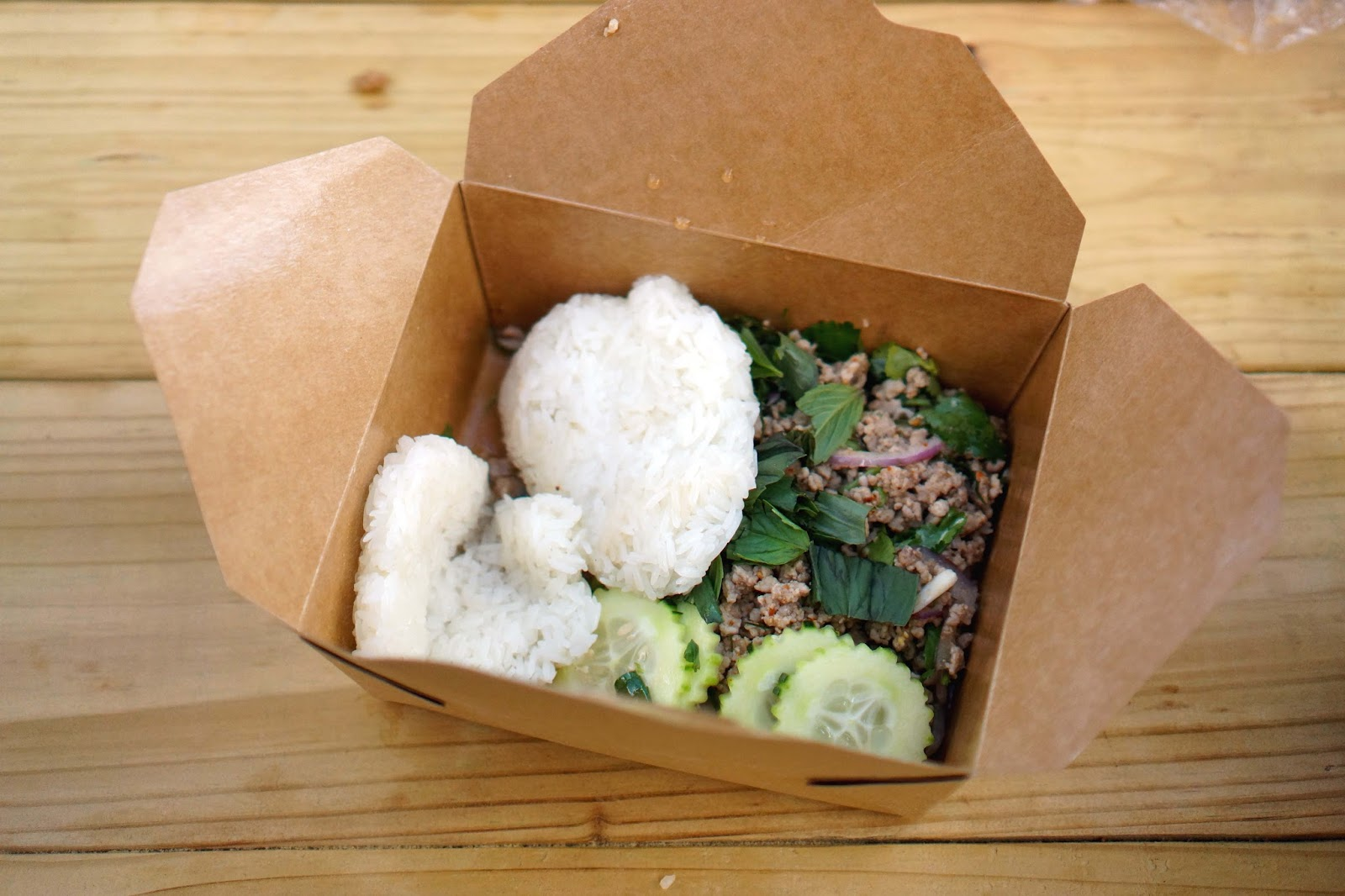 DEE DEE Serving Up Traditional Northern Thai Street Food | Sushi in ...