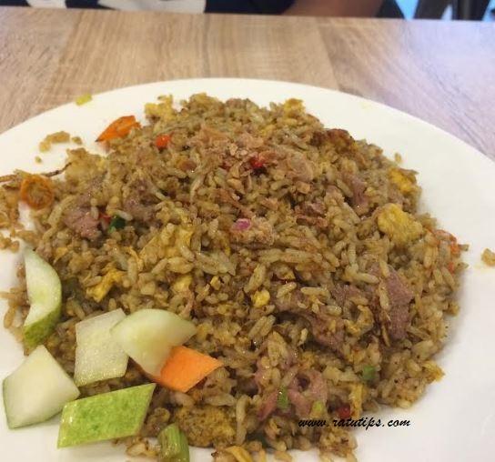 Review Kwetiaw Ayam dan Nasi Goreng Kambingnya Solaria, Enak dan Murah!