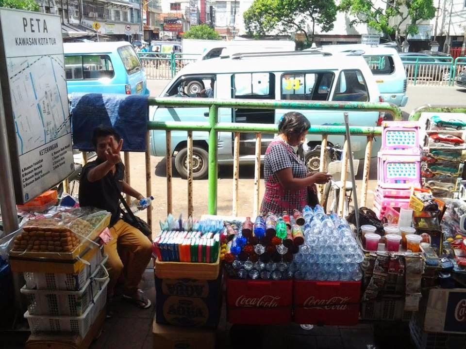 Kerasnya Upaya Mengais Rupiah di Pinggiran Jakarta