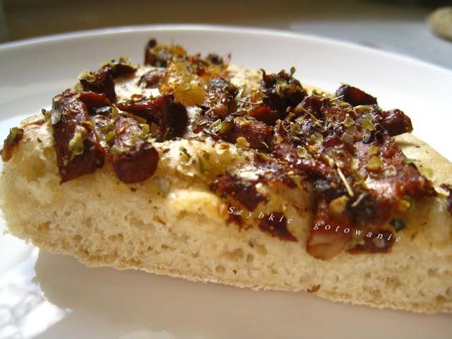 Focaccia z kurkami, czyli włoskie pieczywo z dodatkami
