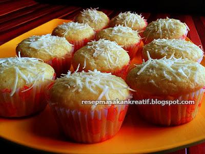 Kue simple mudah tanpa mixer yang lezat bertekstur empuk dan lembut Resep Cara Membuat Muffin Keju Panggang Praktis