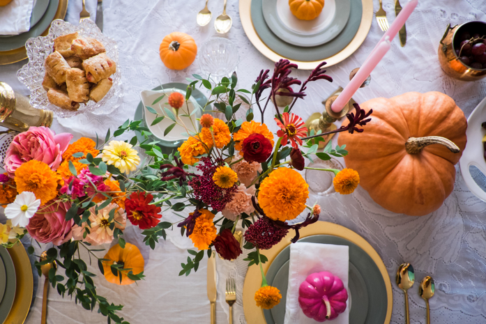 10 Tips for Hosting an Amazing Friendsgiving