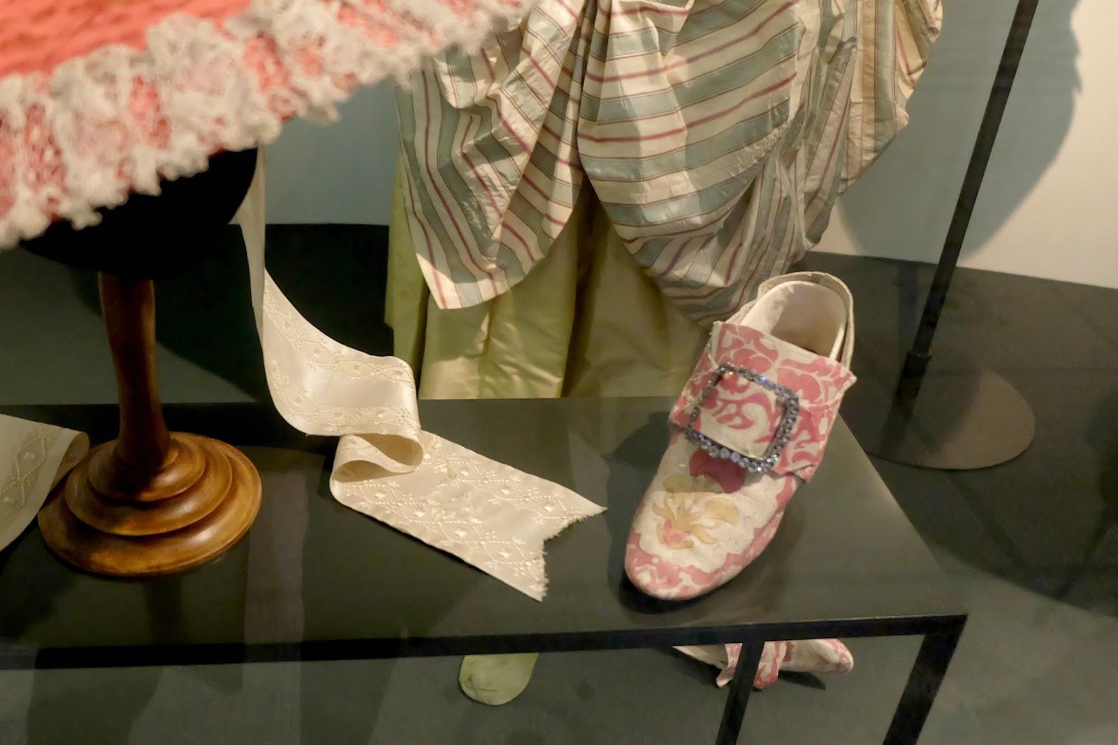 v&a museum shoe