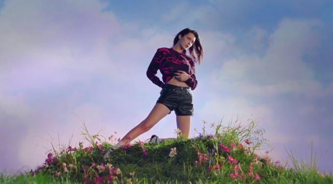Modello e modella Calvin Klein pubblicità nuova campagna con Foto - Testimonial Spot Pubblicitario Calvin Klein 2017