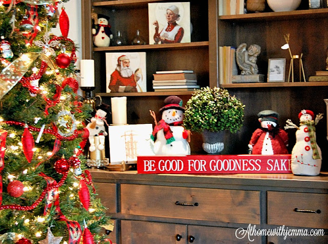 Christmas-Tree-Snowmen-vignette-collections-decor-athomewithjemma