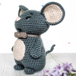 https://amigurumi.today/crochet-mouse-couple-pattern/