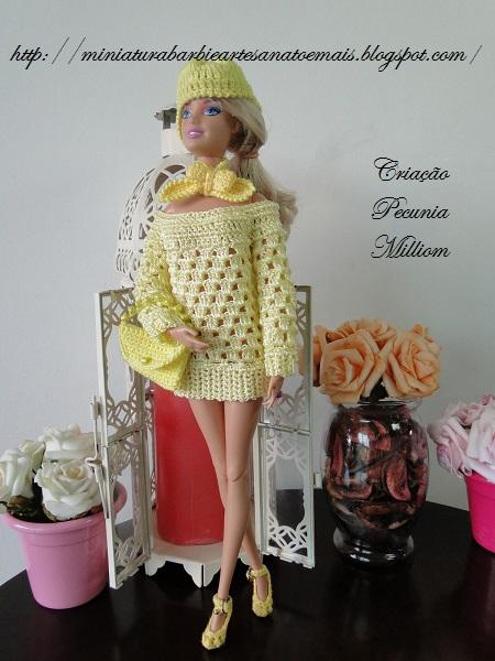 Roupa de crochê para Barbie criada por Pecunia MM
