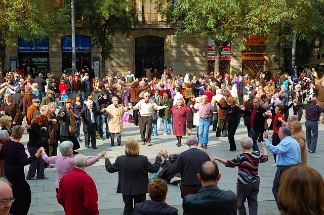 Sardanas: A Traditional Catalan Dance