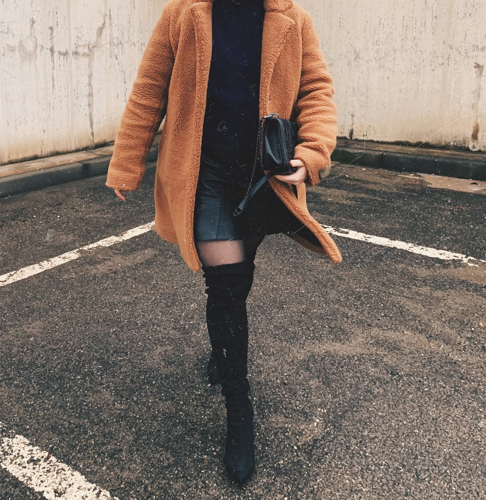 Outfit: Overknees