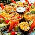 طريقة تحضير سلطة بالفواكه و الخضر و فواكه البحر لذييذة و غنية