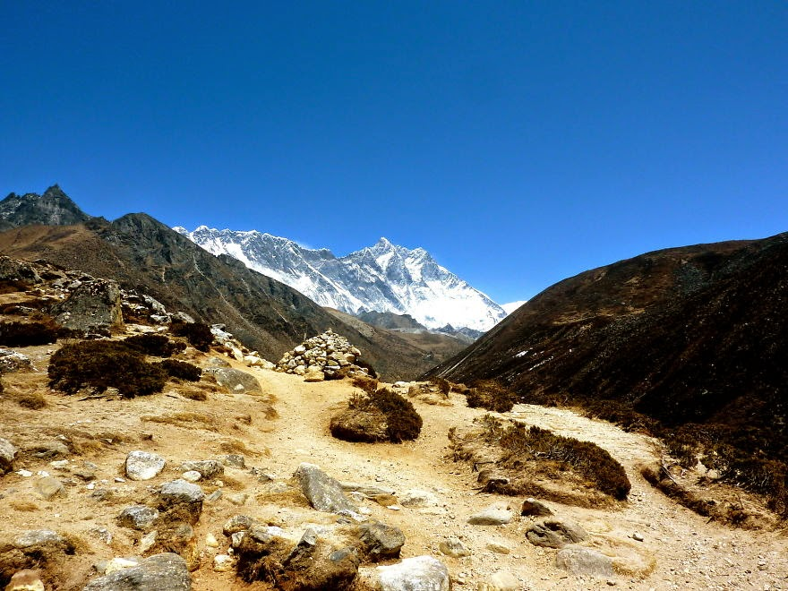 View on Everest along the way to Dingboche - My 25 Photos Of The Everest Base Camp Trek