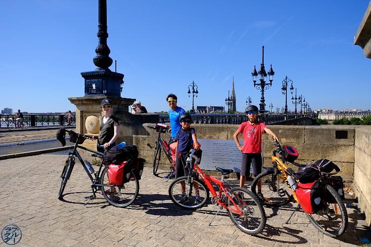 Le Chameau Bleu - Voyage à velo sur le canal ds 2 mers  - Arrivée à Bordeaux