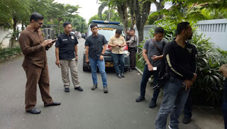 Pengamen Ketahuan Mencuri Ponsel di Kebayoran Lama Diciduk Polisi